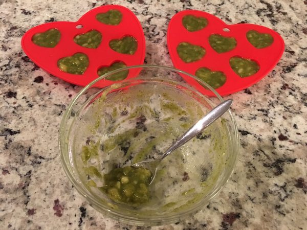K9sOverCoffee | My Banana Kelp Supplement Mix Filled 12 Heart Shaped Silicone Molds